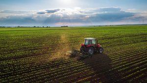 ریسک قانونی و زیست محیطی ریسک ریسک قانونی و زیست محیطی farm 300x169